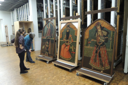 3 Qajar paintings after restoration, Dr. Babette Hartwieg (GG) during the approval with Dipl.-Restaurator Ramona Roth